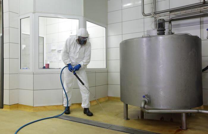 Nettoyeur haute pression, nettoyage des sols en usine